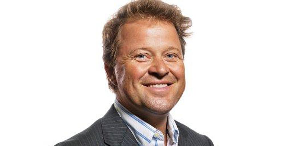 Arne Hjeltnes salary